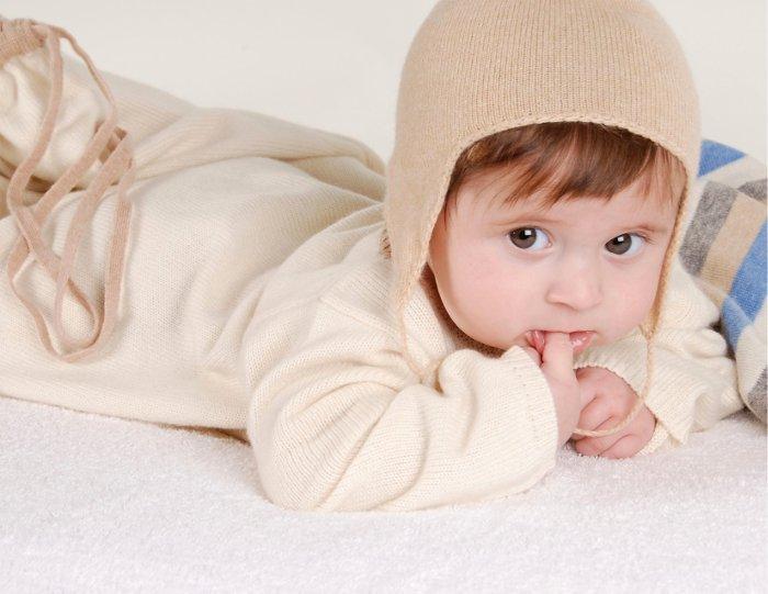 Cắt may áo choàng dài nách thẳng cho bé