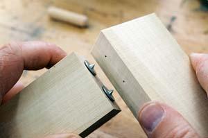 Bộ chốt lấy tâm gỗ dạng nút