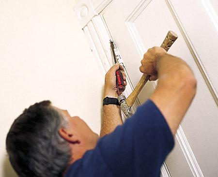 Hướng dẫn sửa cửa gỗ bị mọt