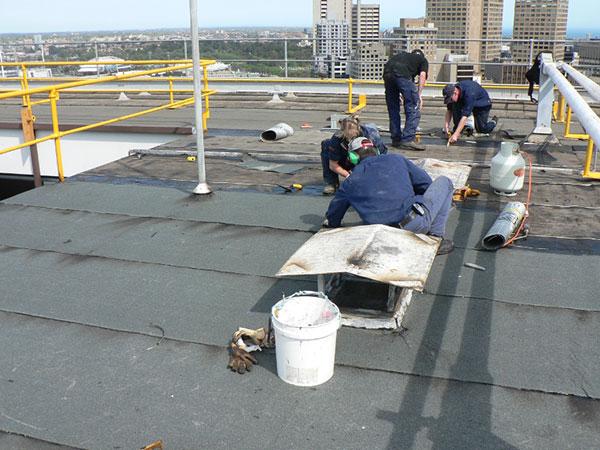 Cách bảo dưỡng bê tông khi xây nhà