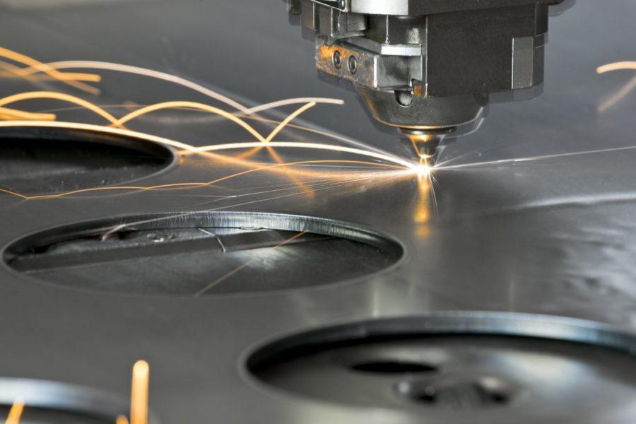 Phương pháp cắt kim loại bằng tia Laser