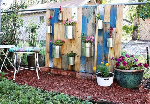 Cách làm khu vườn treo cho nhà có sân nhỏ