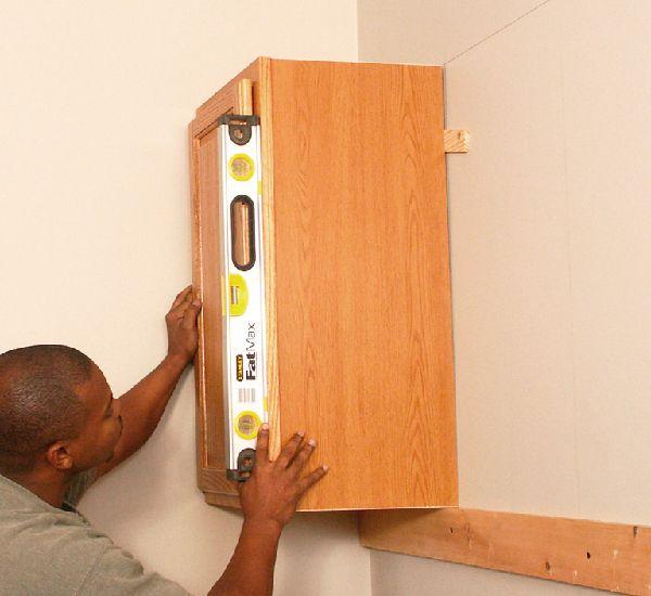 Hướng dẫn lắp đặt tủ bếp bằng gỗ nhanh chóng