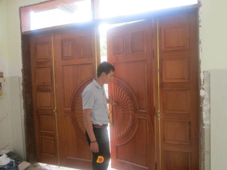 6 bước sửa cửa gỗ bị võng hiệu quả