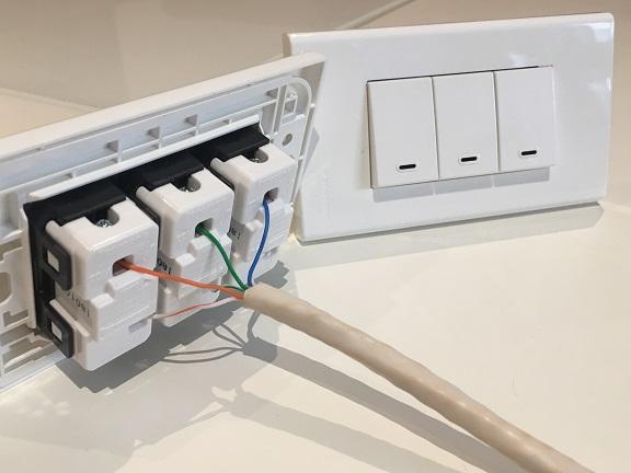 Kỹ thuật thay công tắc điện an toàn