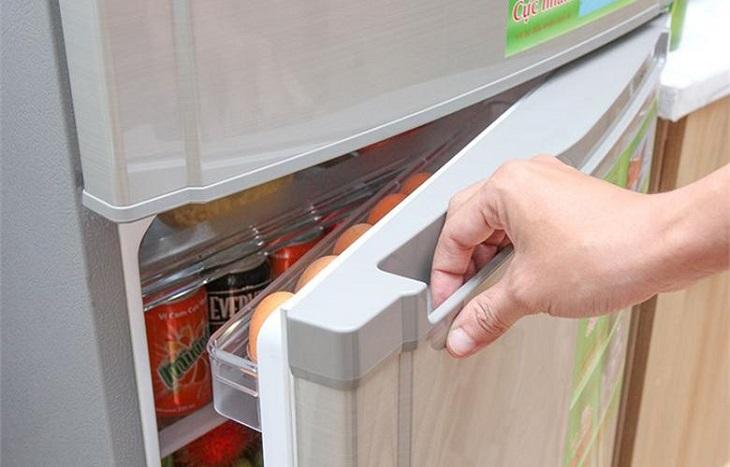Nguyên nhân và cách khắc phục tủ lạnh bị ra mồ hôi hiệu quả 100%