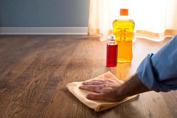 Mách bạn bí kíp vệ sinh sàn gỗ