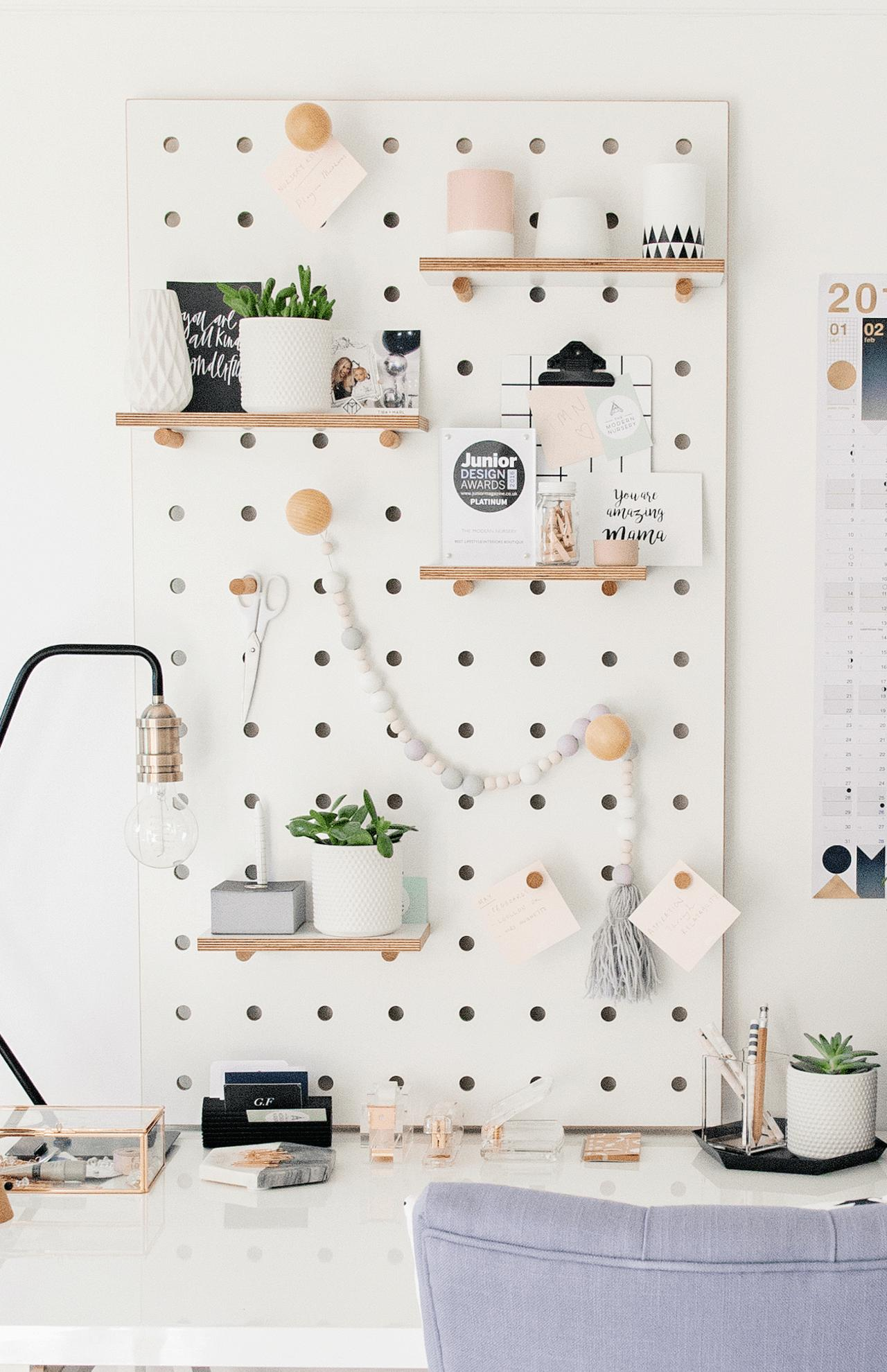 Hướng dẫn cách làm bảng gỗ đục lỗ treo tường thông minh