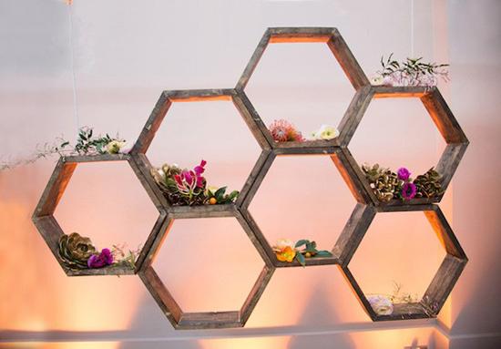 Cách làm kệ gỗ tổ ong trang trí nhà
