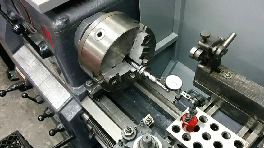 Cách lắp đặt và vận hành máy tiện
