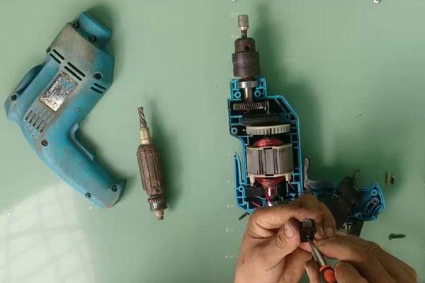 5 lỗi thường gặp ở máy khoan động lực và cách sửa chữa