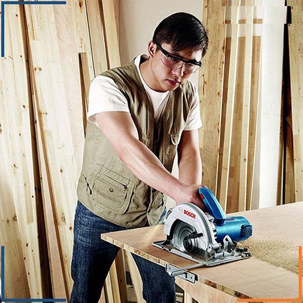 4 điều đặc biệt lưu ý khi dùng máy cắt gỗ cầm tay không phải ai cũng biết