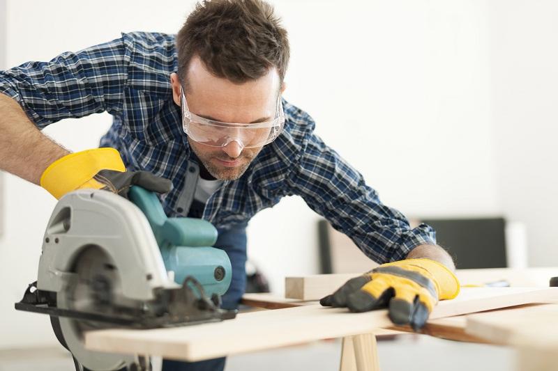 Lưu ý khi sử dụng Dụng cụ điện gia đình tránh những rủi ro đáng tiếc